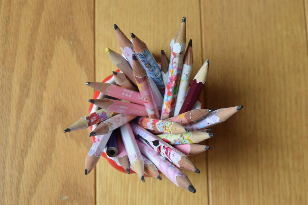 pencils-1063342_1920